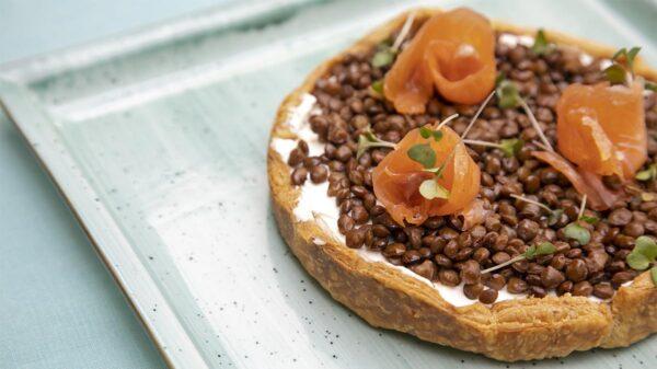 Cheesecake di lenticchie e salmone affumicato