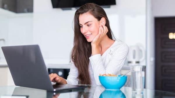 offerte internet casa 1 600x337 - Offerte Internet casa: 5 consigli per trovare la tariffa più conveniente