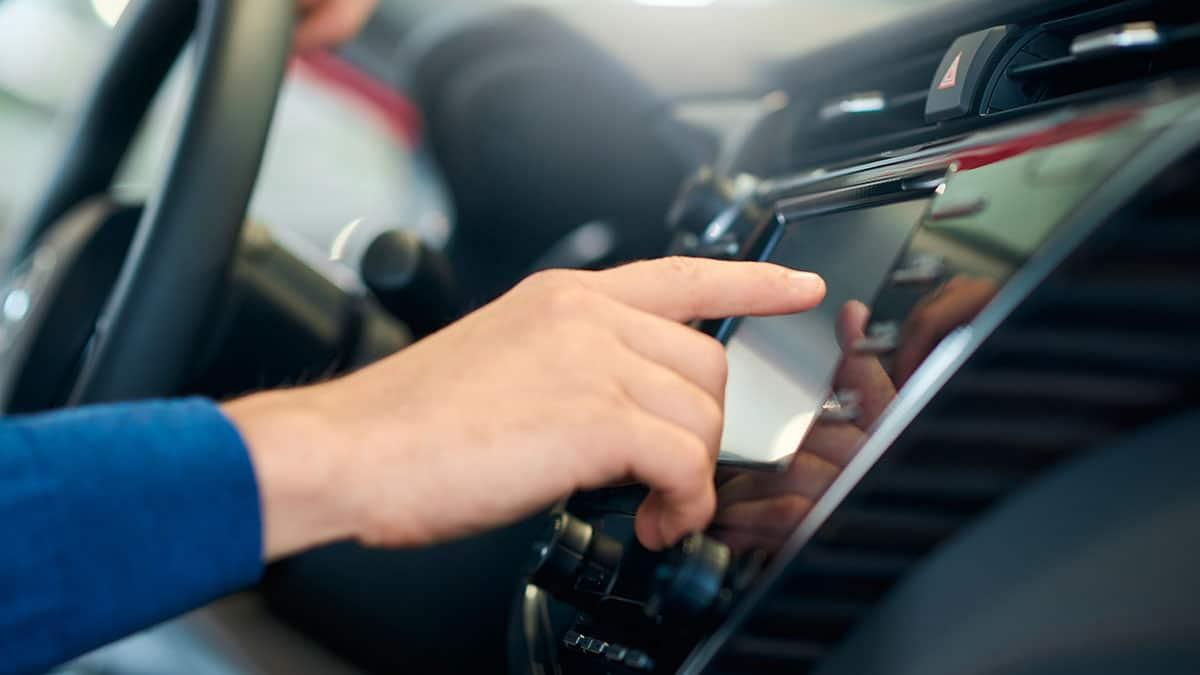 auto display - Costo assicurazione auto online: -15% nel 2020, cali in tutte le Regioni