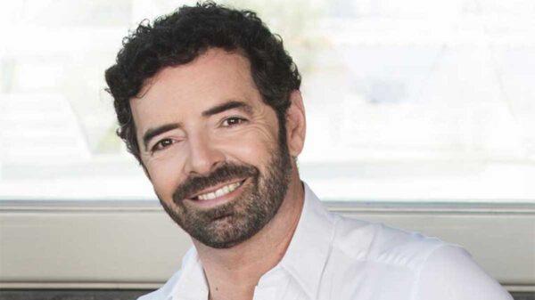 Alberto Matano alla conduzione de La Vita in Diretta