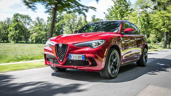 """Alfa Romeo Stelvio Quadrifoglio 600x337 - Alfa Romeo Stelvio Quadrifoglio nominato """"SUV dell'anno"""""""