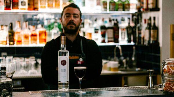 Antonio Laselva bartender e titolare del Malidea a Polignano a Mare Bari 2 600x337 - Il drink cinema MR. WOLF TIME ispirato a Pulp Fiction