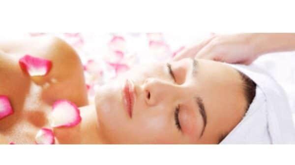 crema pelli sensibili 600x337 - Crema riparatrice per pelli sensibili: cos'è e come utilizzarla