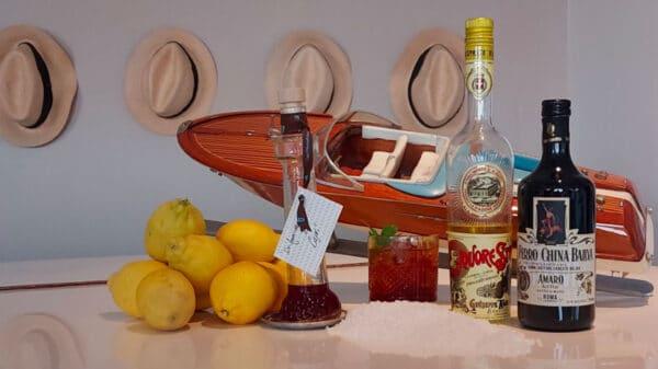 drink UN AMERICANO A CAPRI di Gioacchino Coppola barman del Jacky Bar al Capri Tiberio Palace di Capri 600x337 - Il drink cinema UN AMERICANO A CAPRI