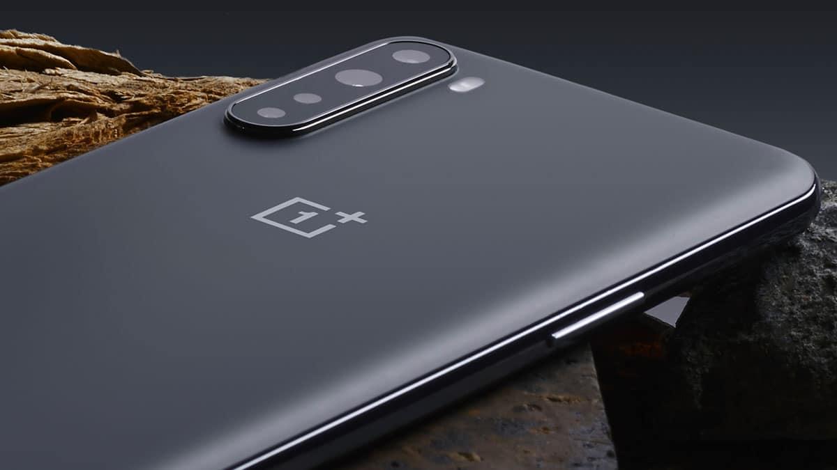 oneplus 8t - OnePlus presenta 8T: le caratteristiche dello smartphone