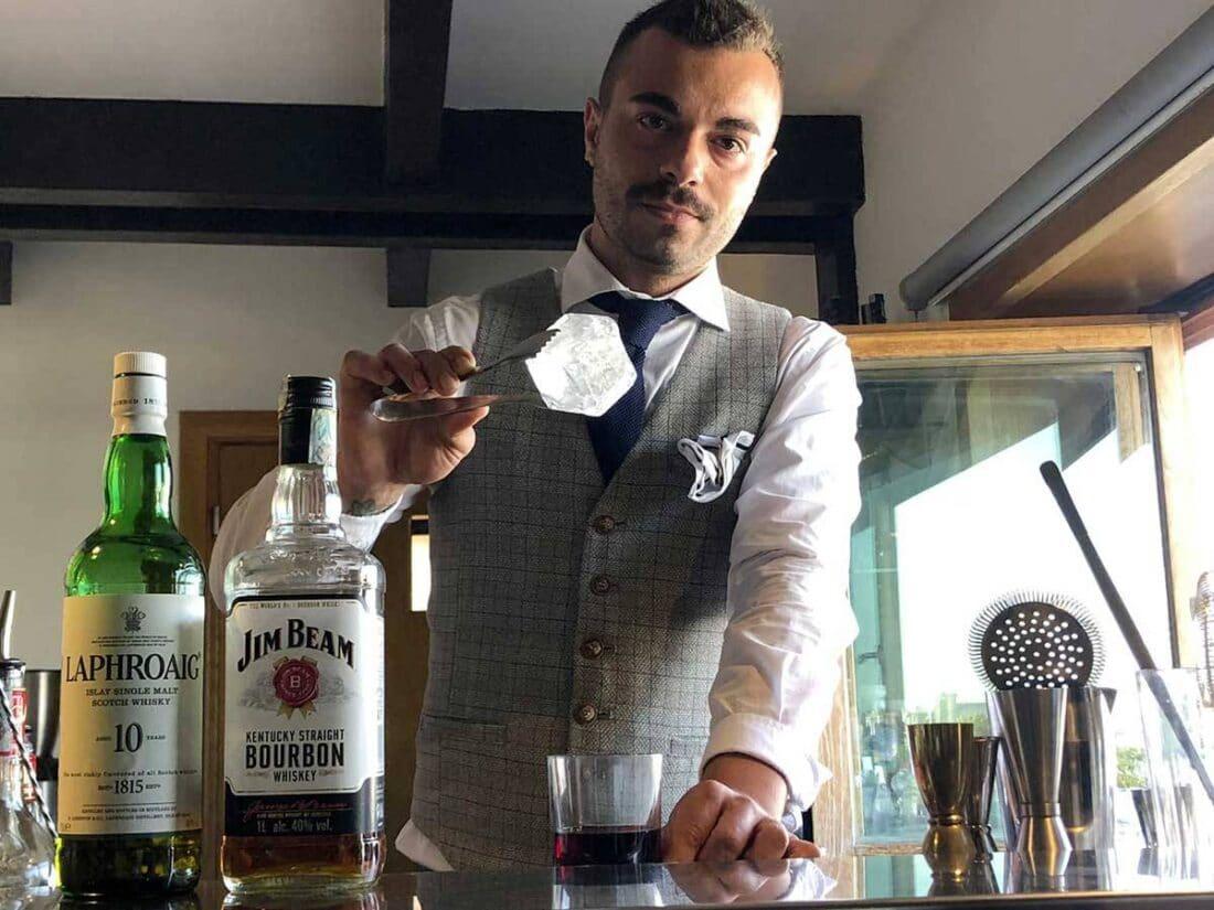 Christian Costantino Head Bartender del Marina Del Nettuno Lounge Bar di Messina 1 1100x825 - Il drink cinema Nuovomondo
